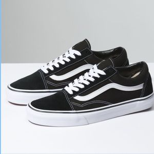 "7.5 Women's ""Old Skool"" Vans"